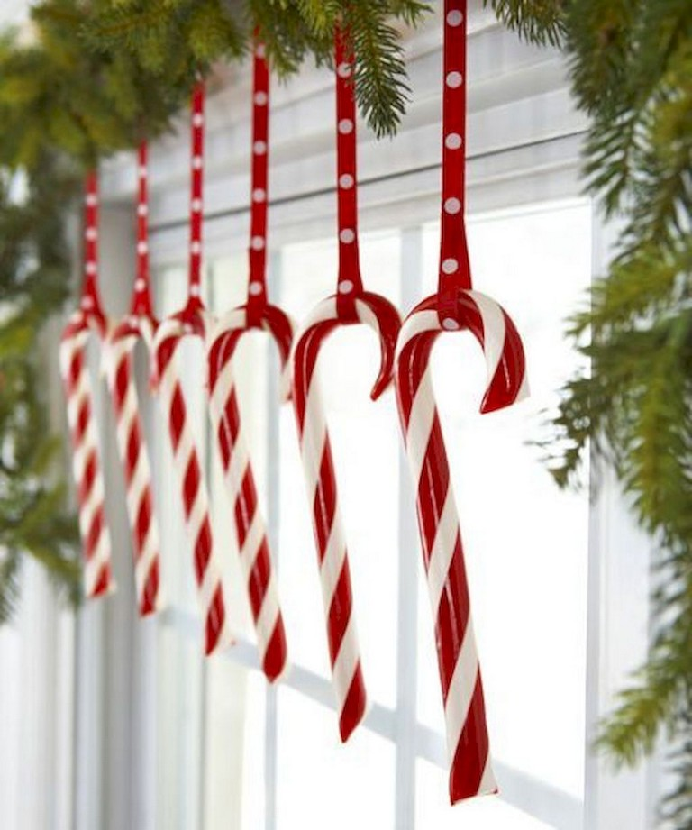 It is the time of year again — time once I bring you heaps and heaps of DIY Christmas jobs. I totally adore producing my own decorations to not mention that ...