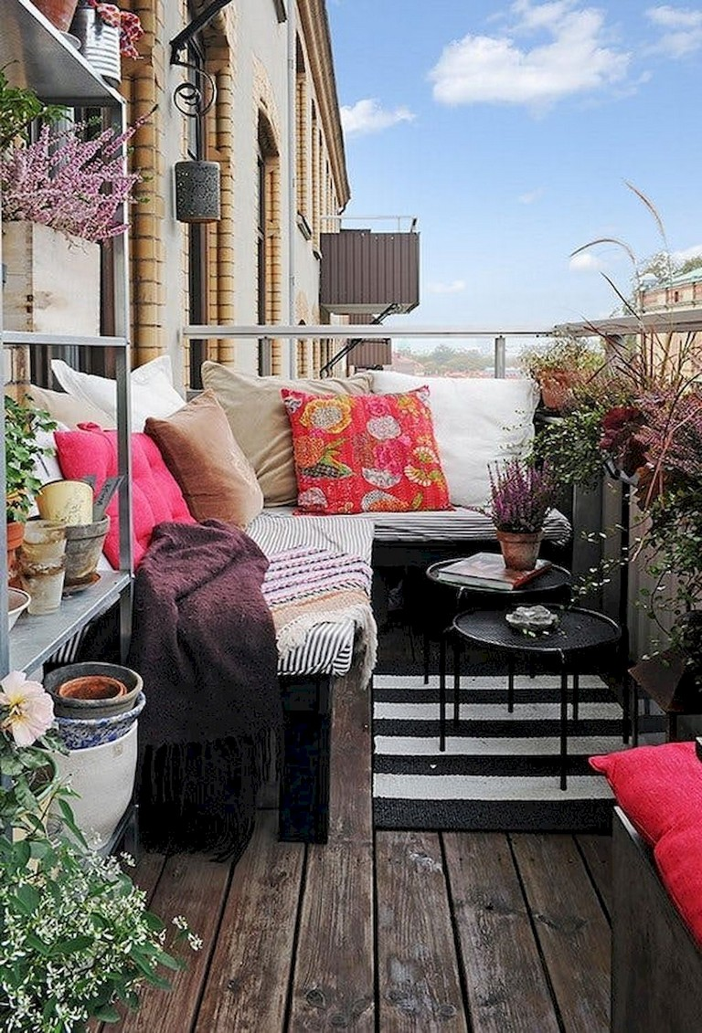 80 Best Small Apartment Balcony Decorating Ideas